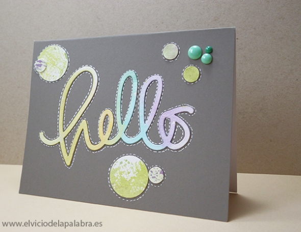 Tarjeta elaborada con el die Big Hello de Simon Says Stamp y Distress Inks