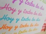 Tarjeta creativa llena de colores elaborada para La Pareja Creativa