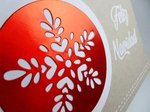 Tarjeta creativa y etiquetas para regalos navideños con materiales de La Pareja Creativa