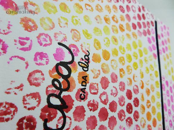 Tarjetas creativas realizadas con papel de burbujas y tintas Distress