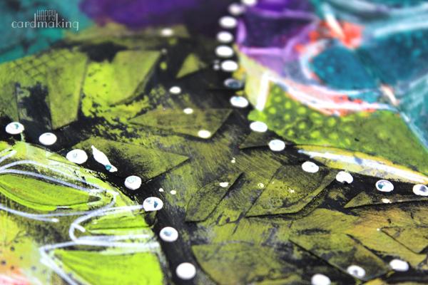 Los restos de gesso negro aportan mucha textura