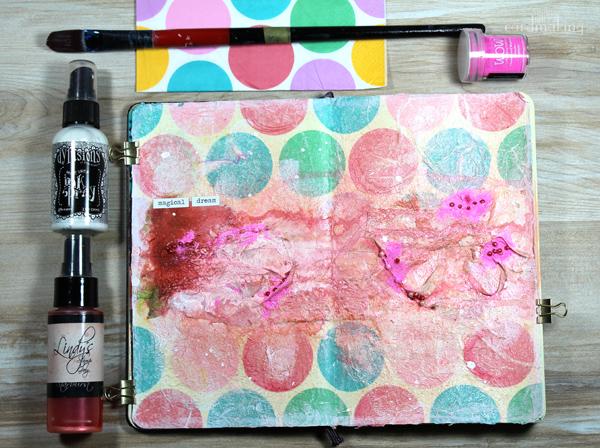 Nueva página de art journal en la que juego con los sprays